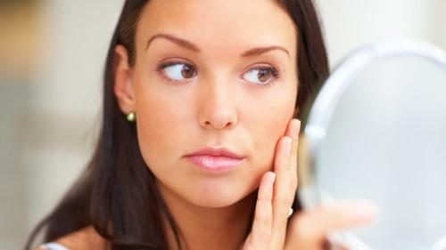 Способы, как осветлить волосы на лице