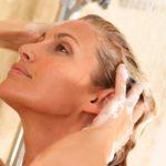 Нанесение кондиционера на волосы после осветления