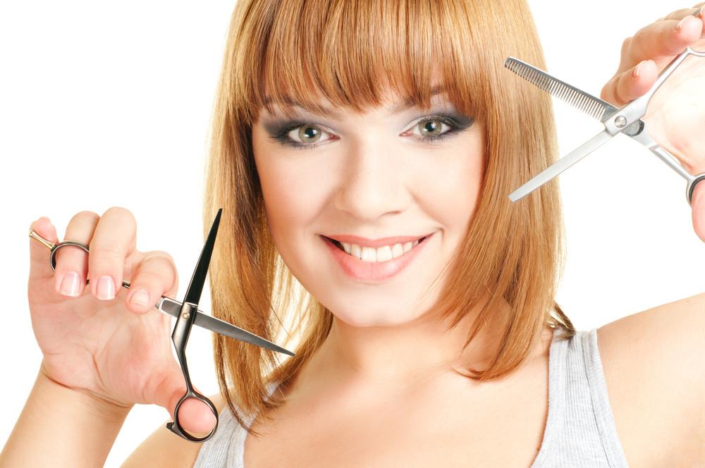 Стрижка волос в носу