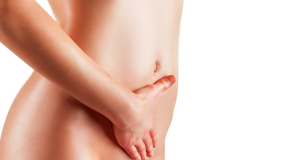 Нанесение крема на интимную зону